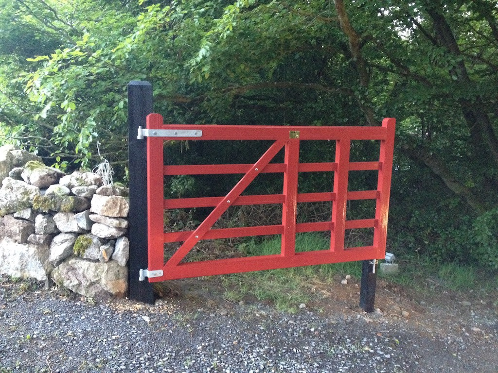 Killinure cottage gates